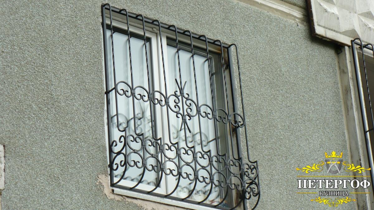 Кованные решетки на балкон.